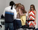 th_94842_Mena_Suvari_shopping_at_Alice_and_Olivia_on_robertson_Blvd_06.jpg