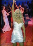 Christina Aguilera How tall is the guy behind her in the third pic? 8'3'? Foto 321 (Кристина Агилера Каким является высокий парень за ней в третьем ПИК?  Фото 321)