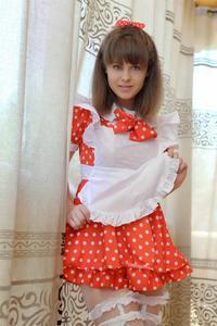 http://img127.imagevenue.com/loc40/th_105021775_tduid300163_Silver_Sandrinya_maid_1_041_122_40lo.JPG