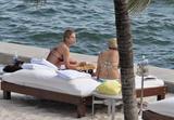 HQ's are up..... - HQs of Jennifer Aniston in Miami Beach, FL..... Foto 616 (���� �������� �� ..... - ����-�������� ��������� ������� � Miami Beach, FL ..... ���� 616)
