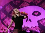 Аврил Лавин, фото 2264. Avril Lavigne Performing at Shanghai Qi Zhong Tennis Center, 2007-08-15, foto 2264